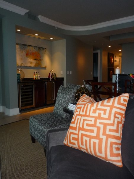 Sanctuary by the sea condominium in blue mountain beach for Wet bar in living room