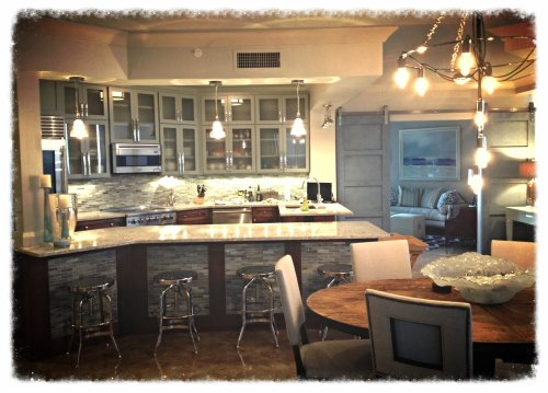 ...and finally, a finished kitchen!  Polished, clean and sparkling!  I had ya worried, with those Day 1 pictures, didn't I?