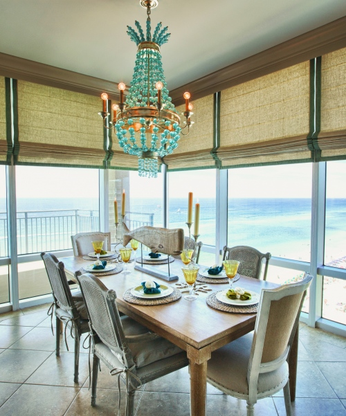 We positioned the Dining area behind the sectional, for a perfect beachside dining experience!