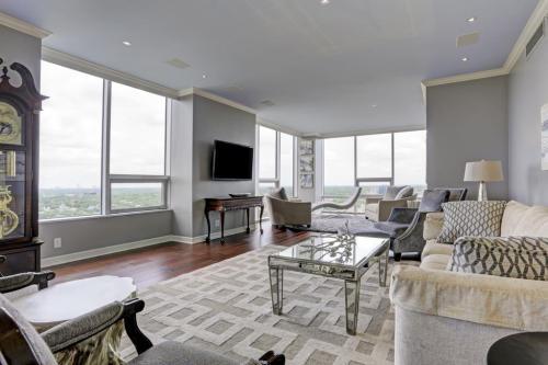 Living Room After: